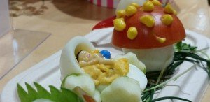 childrens-cooking-class - egg baby cradle