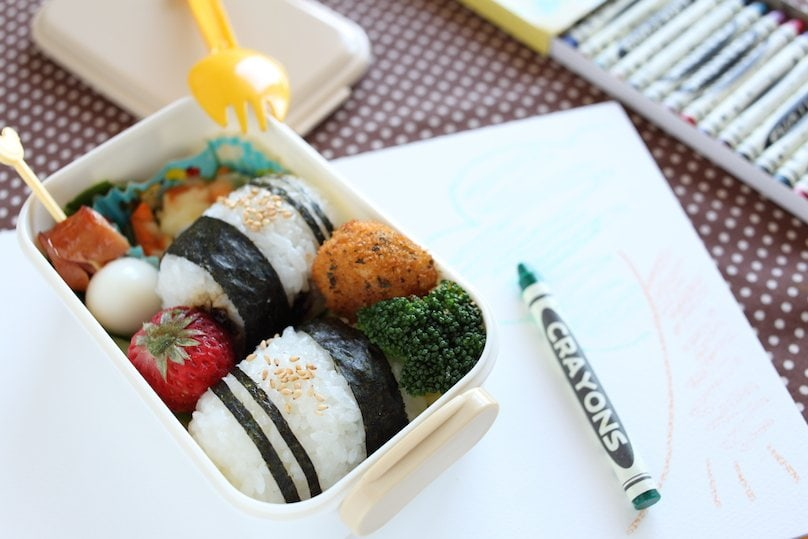 KIDS LUNCH BOXES (6)