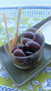 What is the food like at Putia -house made olives